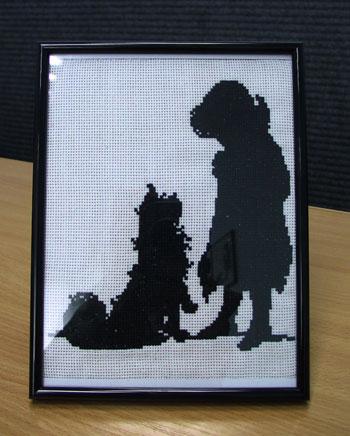 Сундучок - вышивка крестом.  Галерея.  Девочка с собакой.